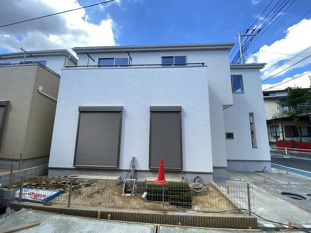 敷地は約33坪超えで建物は述べ29.6坪の4LDKです。(4号棟・6号棟)