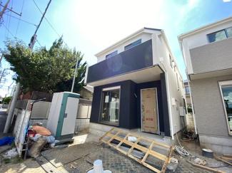 京成本線「京成八幡」駅徒歩12分の全2棟の新築一戸建てです。