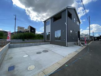 JR武蔵野線「市川大野」駅徒歩19分の全4棟の新築一戸建てです。