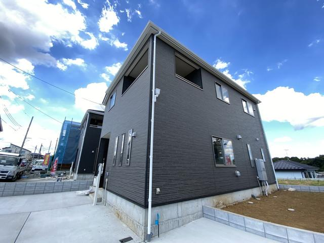 建物は述べ約27.1坪から約29坪の3LDKから4LDKとございます。