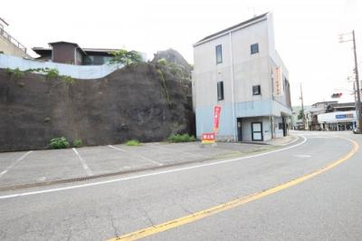 【前面道路含む現地写真】呉市警固屋4丁目