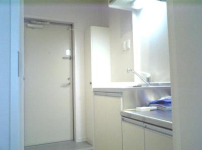 【設備】ポリフォニー 独立洗面台 浴室乾燥機 オートロック