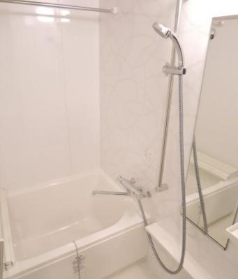 【浴室】プレール・ドゥークときわ台