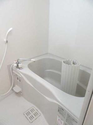 【浴室】ヴィラヴェール太子堂 WiFi無料(1G) 独立洗面台 浴室乾燥機