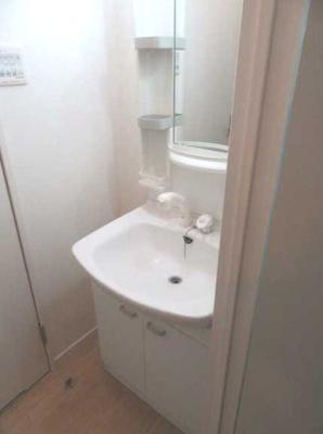 【洗面所】ヴィラヴェール太子堂 WiFi無料(1G) 独立洗面台 浴室乾燥機