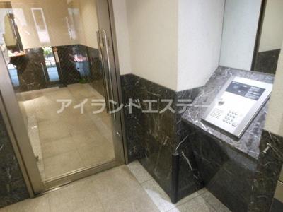 【ロビー】COZYCOURT三軒茶屋TOKYO 駅近 浴室乾燥機 独立洗面台 宅配BOX