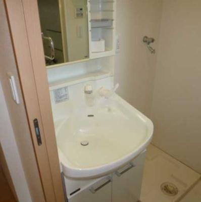 【洗面所】COZYCOURT三軒茶屋TOKYO 駅近 浴室乾燥機 独立洗面台 宅配BOX