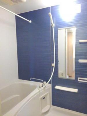 【浴室】ハッピーフィールドつばき館