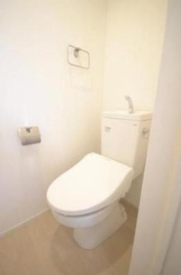 トイレも最新式だよ