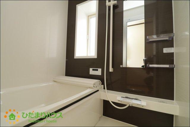 アクセントクロスがオシャレな浴室!
