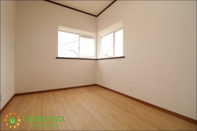 2階には洋室を3部屋ご用意しております♪