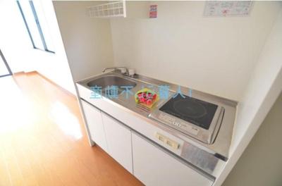 まな板スペースもしっかりあるキッチン
