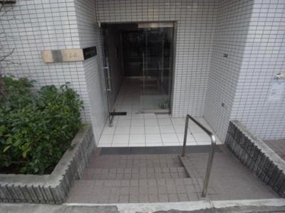 【エントランス】ブライズ新宿中井