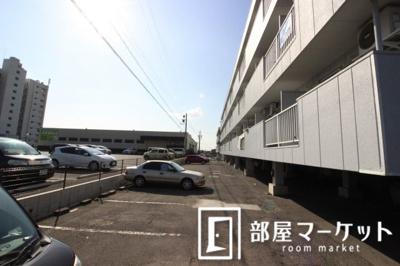 【駐車場】シャンポール三栄前山 Ⅱ