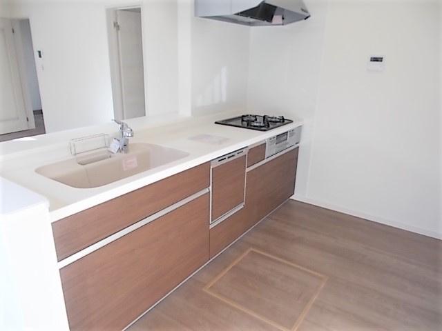 洋風和室。和室はなにかと大活躍します!客間としてはもちろん。洗濯物を畳んだり、お昼寝スペースにも最適