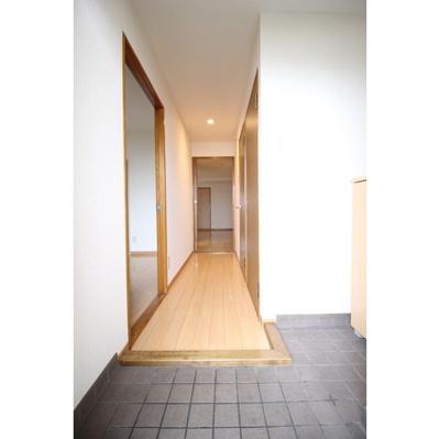 【玄関】コニファープラザ新福