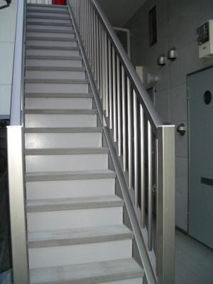 お部屋へのアクセスにご使用頂く共用の廊下です