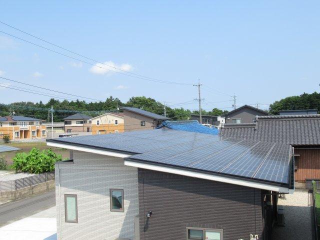 屋根一体型太陽光パネル付