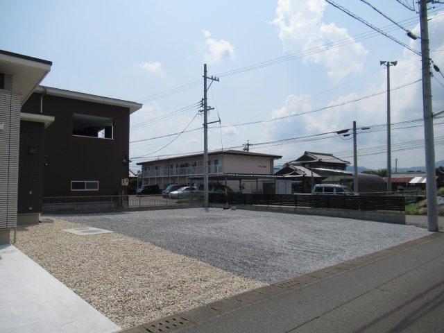 【駐車場】亀山市川崎町