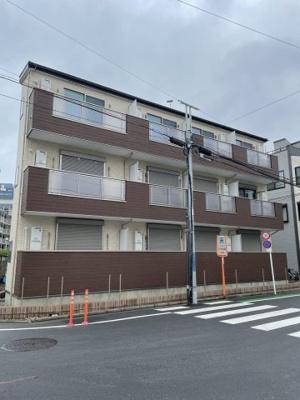 【高速インターネット無料】の新築アパートです。