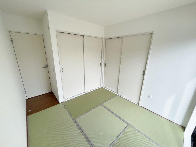 建築中の物件につき同ハウスメーカーの同間取り物件の写真です。