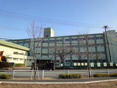 神戸市立高津橋小学校まで360m