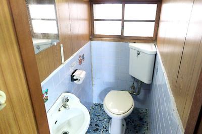 【現地写真】 手洗い付きトイレ♪ 弊社にてフルリフォームも承ります♪