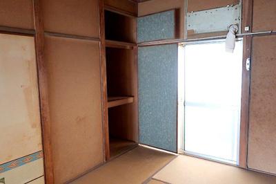 【現地写真】 南側和室の押入♪ 弊社にてフルリフォームも承ります♪