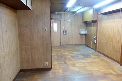 【現地写真】 LDK約15帖♪キッチン側から撮影♪ 弊社にてフルリフォームも承ります♪