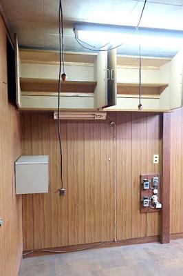【現地写真】 リビングに吊戸棚あり♪ 弊社にてフルリフォームも承ります♪