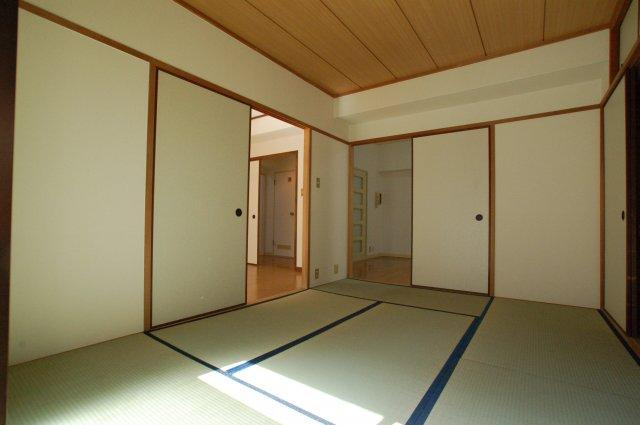 【寝室】エメラルドマンション