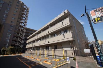 川崎駅徒歩7分の駅近アパートです