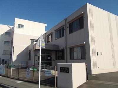 菊川市立加茂小学校まで800m