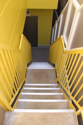 2階への階段(同一仕様写真)