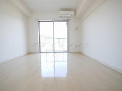 梁の少ないレイアウトしやすいお部屋です。
