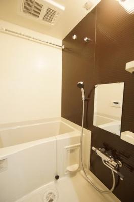 「ゆったりとくつろげるバスルーム」