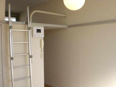 【洋室】レオパレスB・P246C館