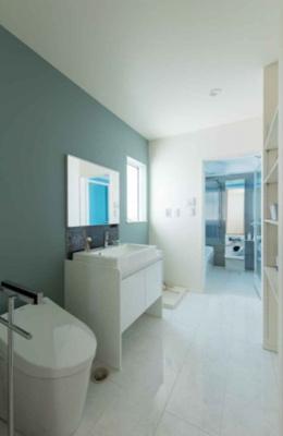 床材も高級感があり、ホテルのような洗面室に仕上がりました♪集約されているのでお掃除がしやすいですね♪