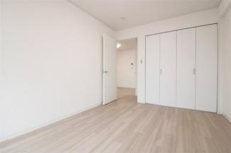 洋室6帖です♪各居室には大きなクローゼットが設けらえております!