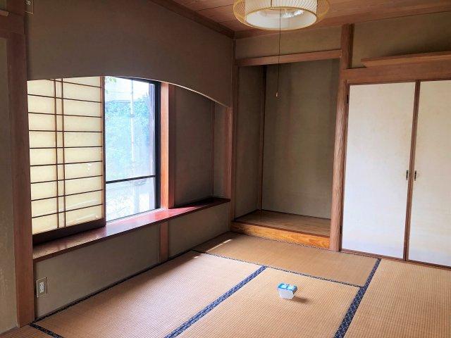南庭に面した和室には広縁があります。