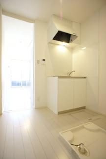 キッチンと室内洗濯機置場です。