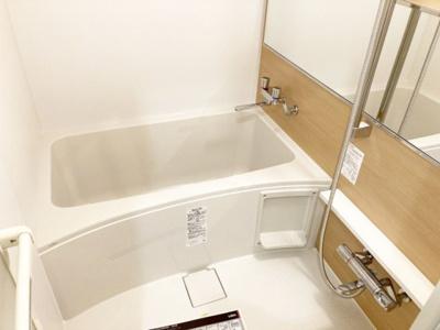 新品交換済みのバスルーム