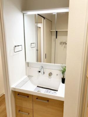 機能的で使いやすい洗面化粧台