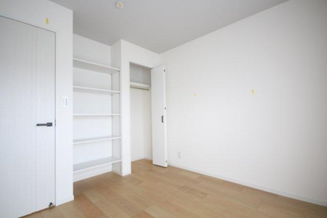 各洋室にクローゼット完備ですので、お部屋もスッキリ片付きます。
