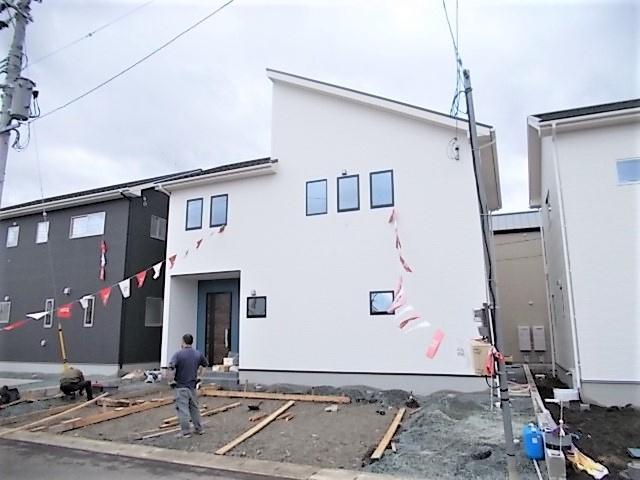 LDK♪リビング隣和室設計でLDKと和室併せて約22帖の広々空間。家族みんなでくつろぐことができます♪