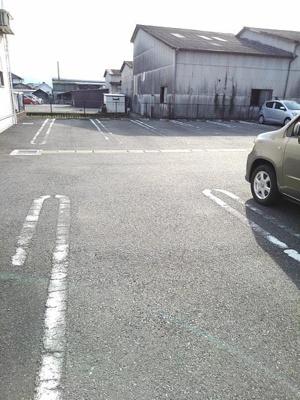 【駐車場】ブリーゼ佐藤
