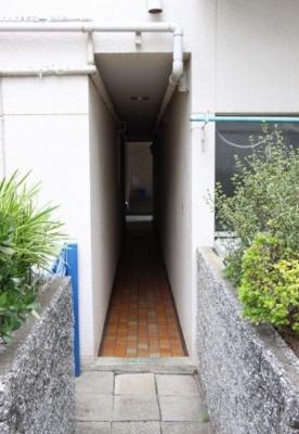 共立第一マンションの入り口です。