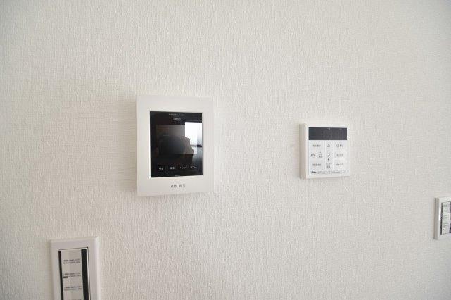急な来客時も安心のTVモニター付きインターフォンあり!