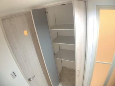 洗面・脱衣所にある収納スペースです。