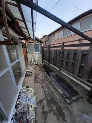 【庭】関西町貸家